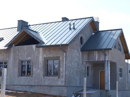 Opierzenie dachu z blachy